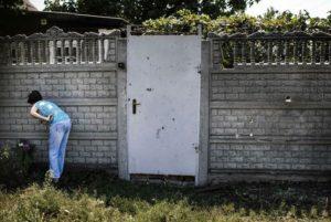 Mauern in der Ukraine trennen Familien und Freunde